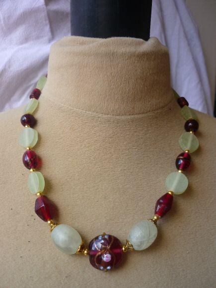 http://courgettolivre.cowblog.fr/images/bijoux/colliers/P1030340.jpg