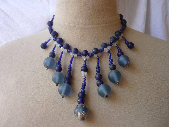 http://courgettolivre.cowblog.fr/images/bijoux/colliers/P1030355.jpg