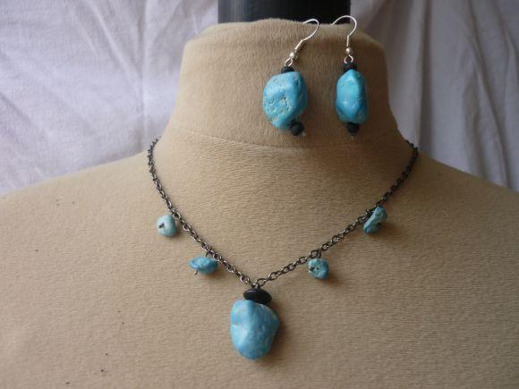 http://courgettolivre.cowblog.fr/images/bijoux/colliers/P1030391.jpg