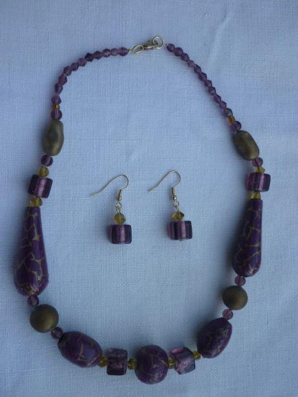 http://courgettolivre.cowblog.fr/images/bijoux/colliers/P1060706.jpg