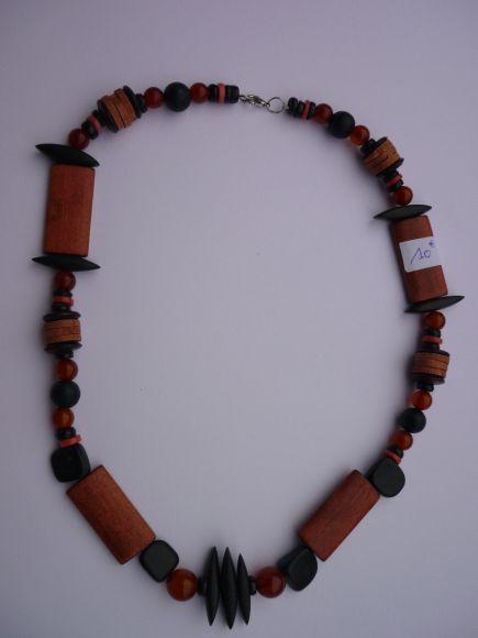 http://courgettolivre.cowblog.fr/images/bijoux/colliers/P1070296.jpg