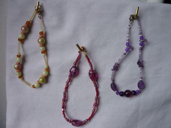 http://courgettolivre.cowblog.fr/images/bijoux/colliers/nantiat/P1000975.jpg