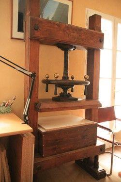http://courgettolivre.cowblog.fr/images/outils/pressederelieurcoursdereliure.jpg