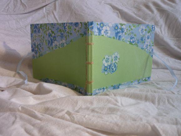 http://courgettolivre.cowblog.fr/images/reliuresjaponaises-1/P1070004.jpg